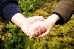 hands-269273_960_720